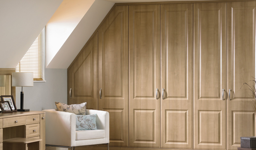 What to think about when buying fitted wardrobes a Pictures of built in wardrobes
