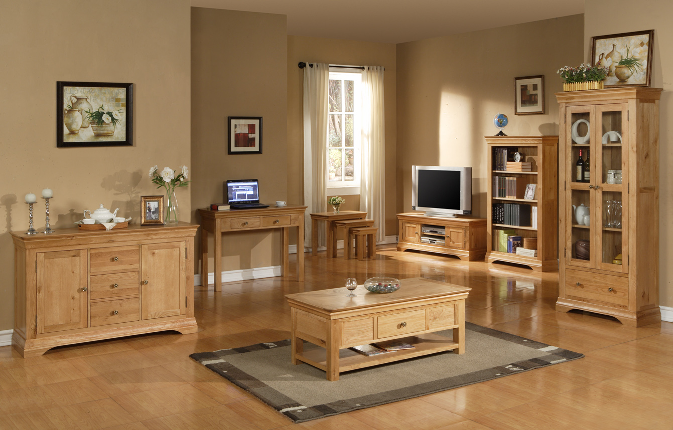 The advantages of solid oak furniture a lovely home for Living room designs with oak furniture